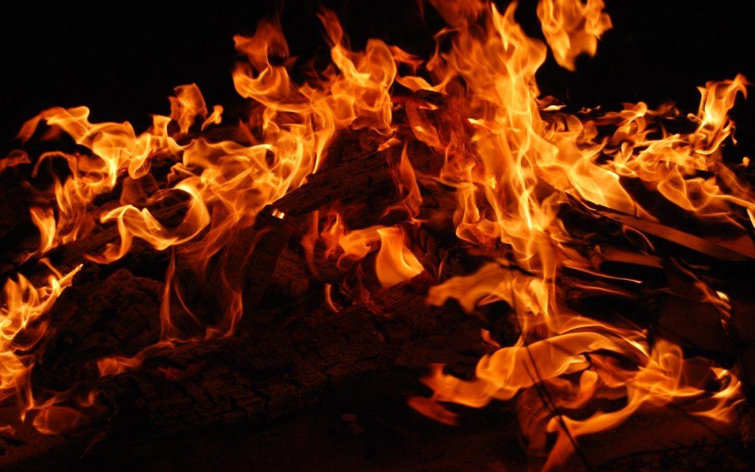 日本人のための基礎英語表現~「炎上」って何て言うの?~