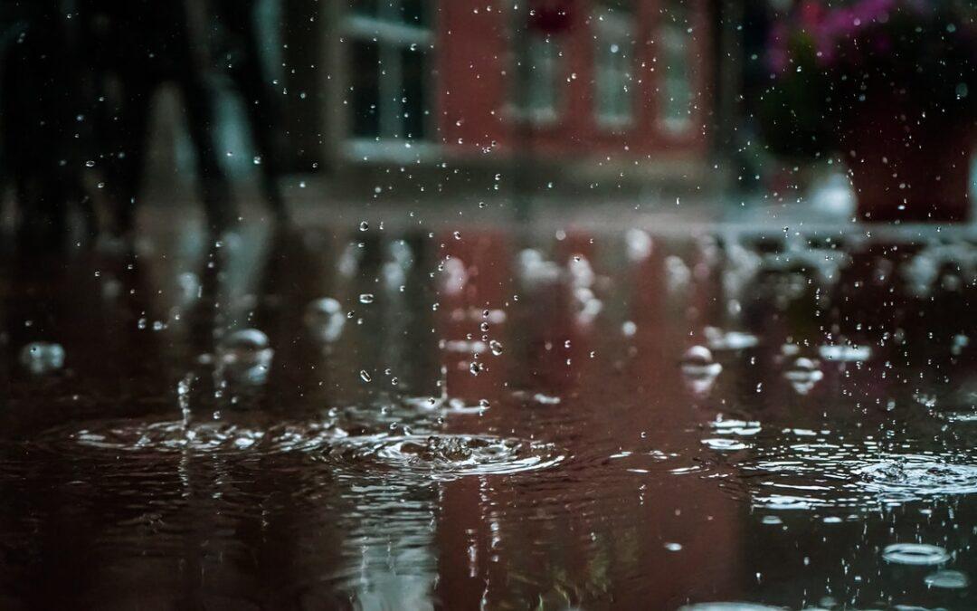 日本人が知っておくと便利な英語表現~様々な雨の表現~